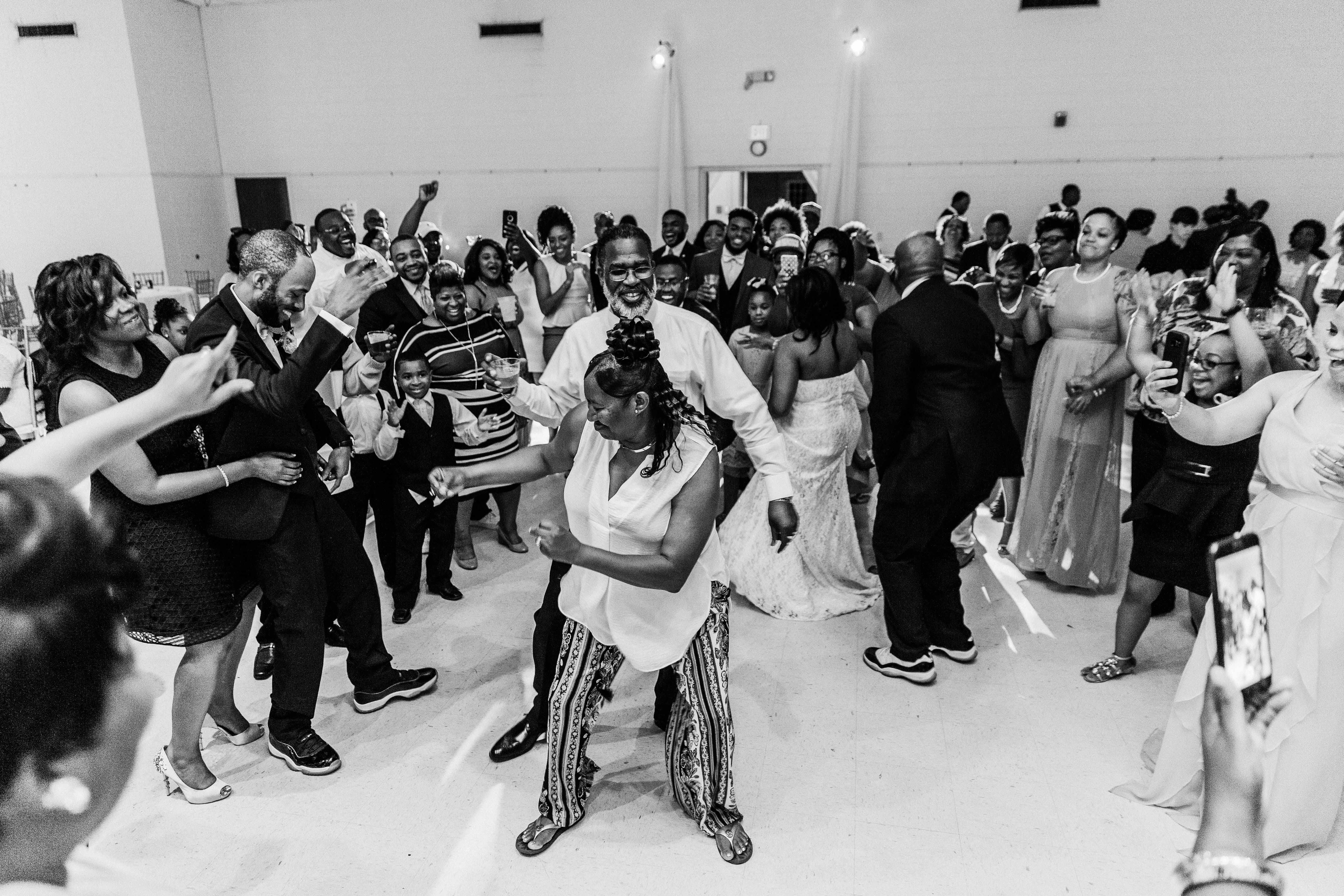 FLOWERS_WEDDING_SELMA_ALABAMA_WEDDING_PHOTOGRAPHY_156