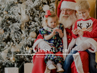 The Arkuszeski Family – Portraits With Santa