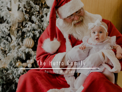 The Hutto Family – Portraits With Santa